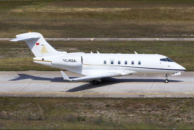 L'avion Bombardier Challenger 300 qu'aurait utilisé Carlos Ghosn pour rallier Beyrouth depuis Istanbul, photographié en un lieu non précisé en 2016.