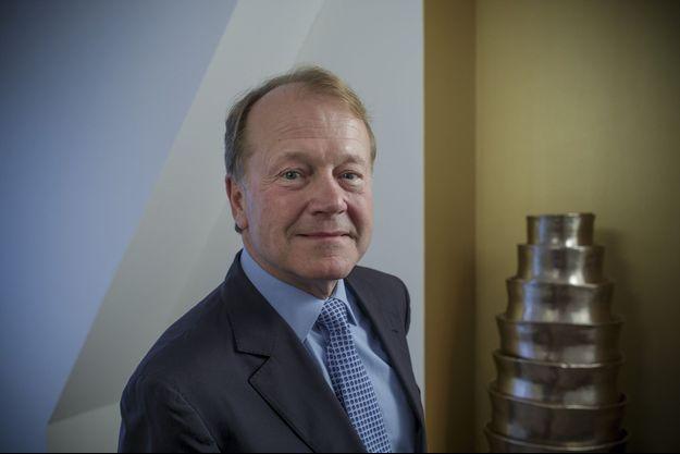 Mythique P-DG du leader mondial des réseaux pendant vingt ans, de 1995 à 2015, John Chambers en préside aujourd'hui le conseil d'administration.