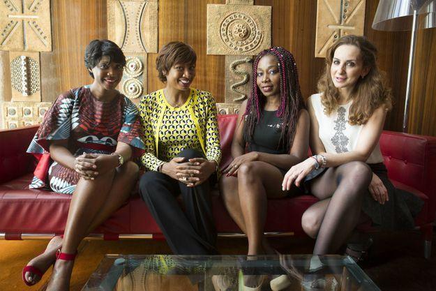 Quatre femmes d'affaires pendant l'Africa CEO Forum, organisé par l'hebdomadaire «Jeune Afrique», à Abidjan, les 21 et 22 mars 2016. De gauche à droite: Tigui Camara (Guinée), Diane Chenal (Côte d'Ivoire), Ghislaine Ketcha Tessa (Cameroun), Neila Benzina (Tunisie)
