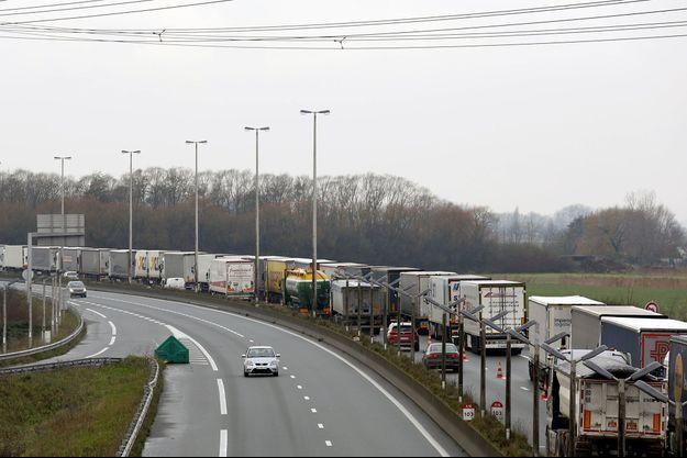Sur l'autoroute A16, près de Calais, le 9 décembre.