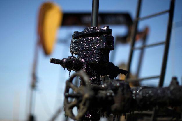 Un gisement pétrolier en Californie, dont les réserves sont estimés à 15 milliards de barils, soit un peu moins de six mois de consommation annuelle mondiale.