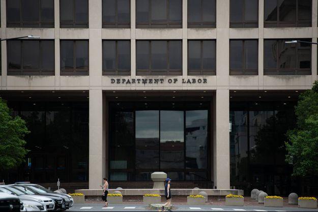 Devant le département du travail, à Washington.