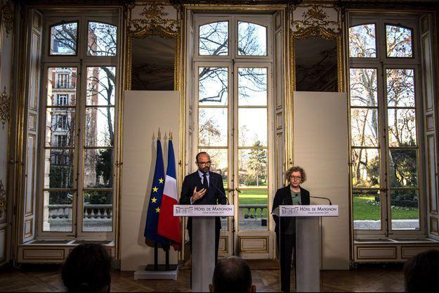 Edouard Philippe et Muriel Pénicaud le 26 février lors d'une conférence de presse sur l'assurance chômage.