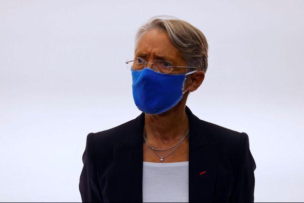 Elisabeth Borne lors d'une conférence de presse le 15 octobre.