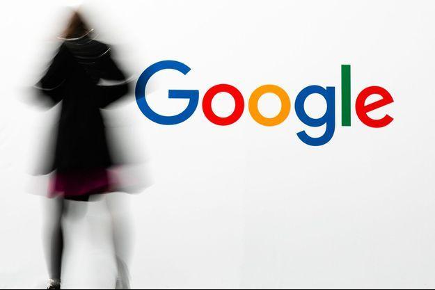 Devant le stand Google au salon Viva Tech à Paris, en mai dernier.