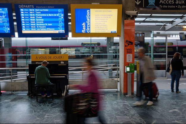 Ici à à la gare de Nantes. (Image d'illustration)