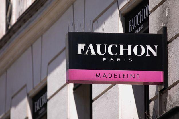 L'enseigne de Fauchon, place de la Madeleine à Paris.