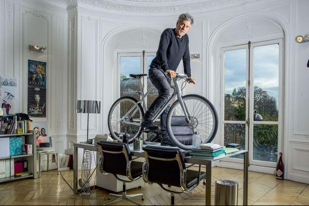 Marc Simoncini dans son bureau, à Paris, le 13 novembre.