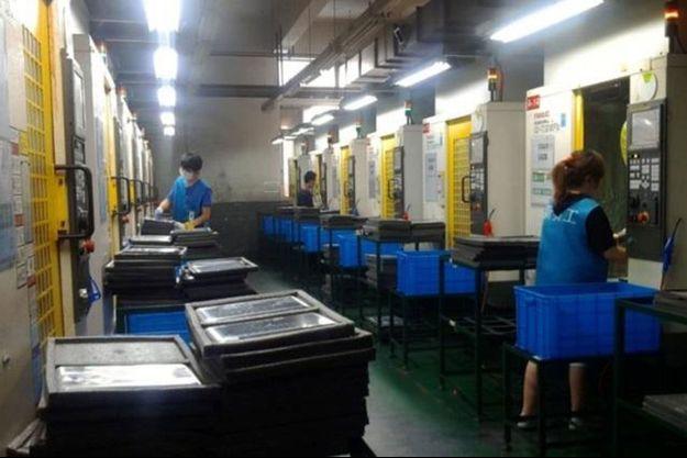 Dans l'usine Avy Precision Electroplating, qui appartient au groupe Pegatron et qui fabrique des pièces d'Apple iPad.