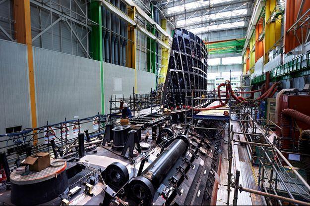 """Le sous-marin """"Suffren"""", en construction"""