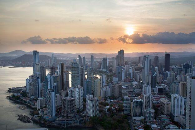 Les richesses du Panama (3,8 millions d'habitants) : le canal, la banane, les pavillons de complaisance, et l'évasion fiscale.