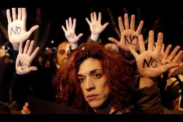 Un manifestation contre la taxation des comptes bancaires le 19 mars à Nicosie.