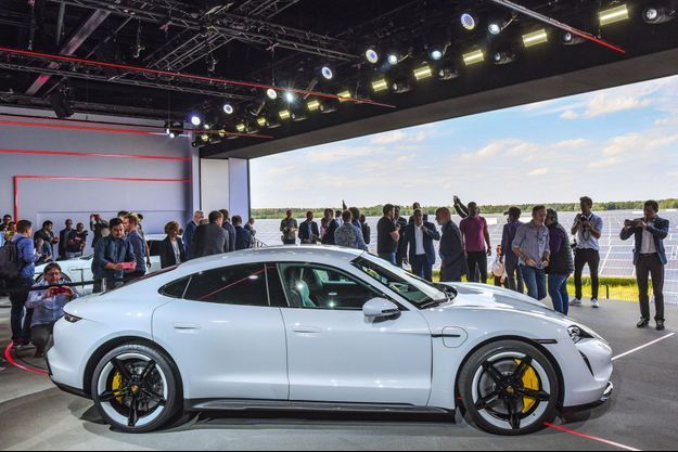 Présentation de la Porsche Taycan, mercredi dernier, à Neuhardenberg, à l'est de Berlin.