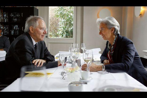 Le 31 mars, au Paris-Moskau, restaurant mythique de Berlin reconstruit après la chute du Mur, Christine Lagarde et Wolfgang Schäuble ont partagé un repas rapide. La ministre française devait reprendre l'avion peu de temps après pour assister le jour même au Conseil des ministres à Paris.