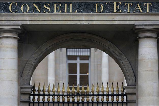 Devant l'entrée du Conseil d'Etat, en février dernier.