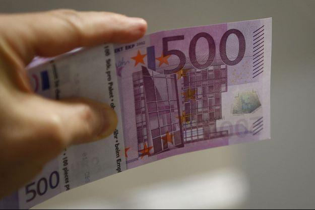 Un billet de 500 euros.