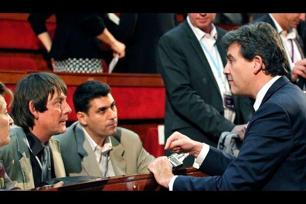 Bernard Thibault et Arnaud Montebourg, le 10 juillet, pendant la conférence sociale.