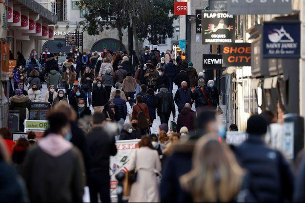 Une rue commerçante de Nantes.