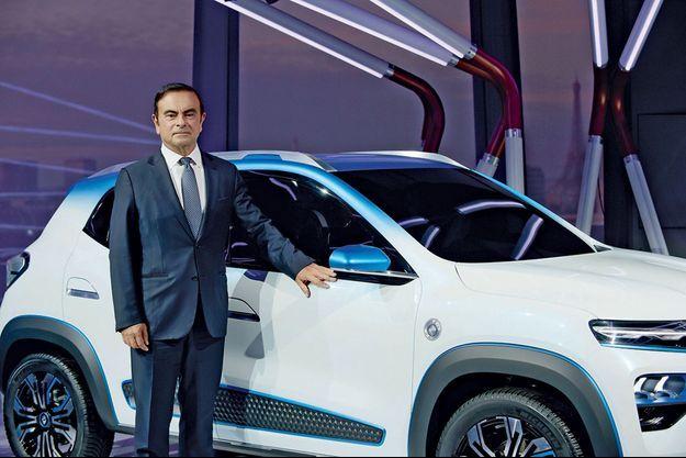 Carlos Ghosn au salon de l'auto de Paris le 1er octobre 2018.