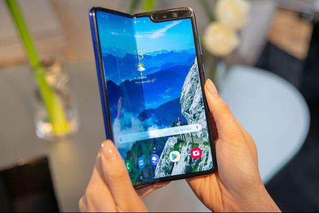 Un Samsung Galaxy Fold à Londres, le 16 avril.