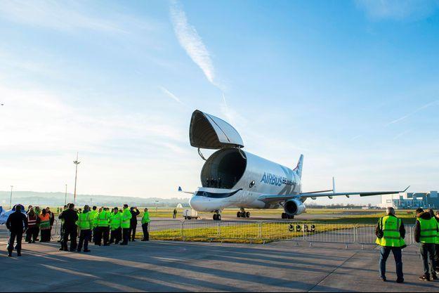 Un Airbus A330-743L Beluga XL sur le tarmac de l'usine de Broughton, au Pays de Galles, en février dernier.