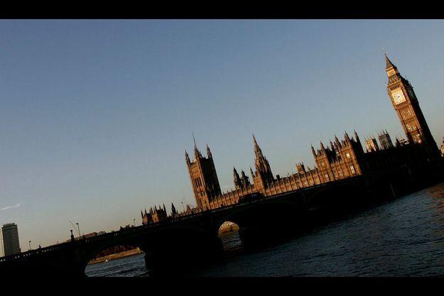 Le Royaume-Uni pourrait-il somber et se retrouver à la merci de ses créditeurs?