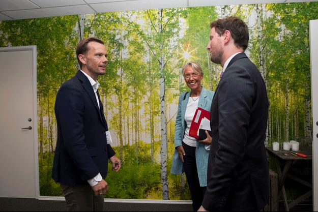 Le ministre danois de l'Emploi, Peter Hummelgaard Thomsen, avec Élisabeth Borne et Clément Beaune, lors d'un séminaire gouvernemental à Fredericia, au Danemark, le 24 août.
