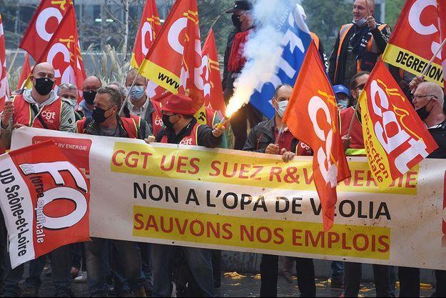Manifestations des syndicats de Suez à La Défense, le 29 septembre dernier.