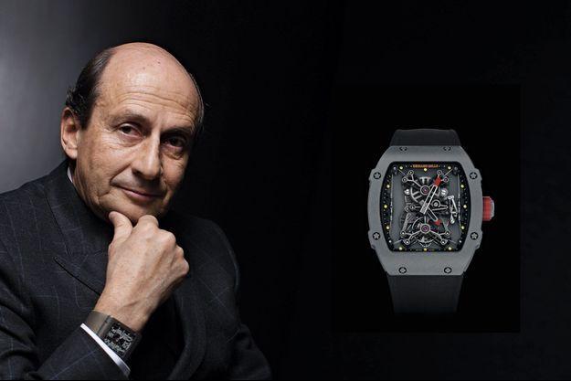 Richard Mille, créateur de la marque, porte ici l'un de ses modèles. la RM016 exra plate en titane, 71 000 euros.