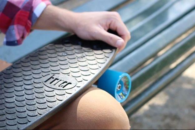 Un skateboard Bureo