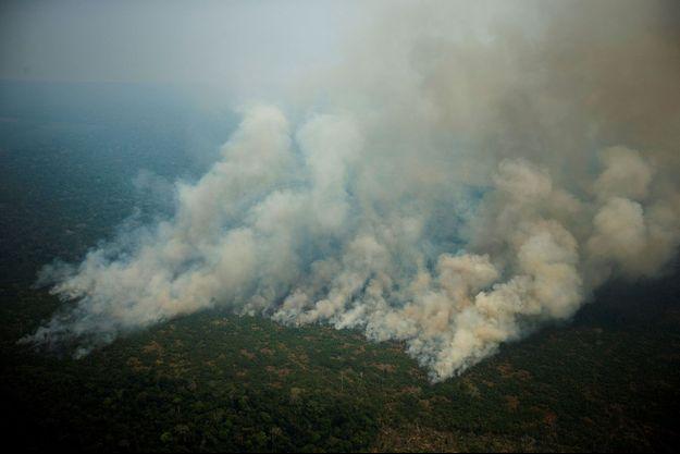 La forêt amazonienne en flammes, à Porto Velho au Brésil, en août 2019.