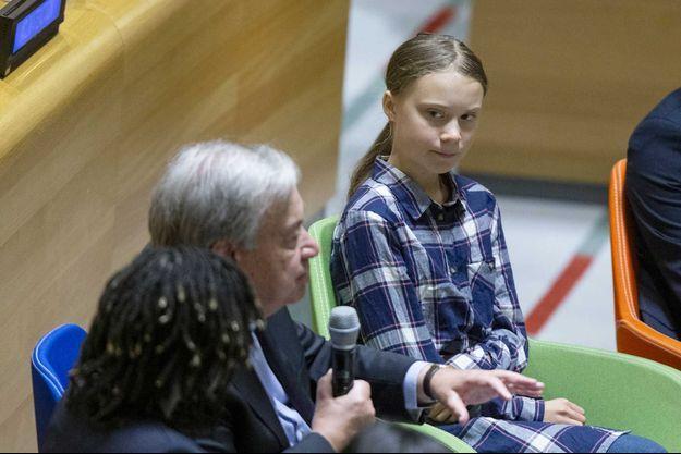 L'activiste Greta Thunberg à côté du secrétaire général des Nations unies Antonio Guterres.