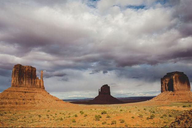 Au cœur de la plus grande réserve amérindienne des Etats-Unis d'Amérique, près de 500 mines d'uranium sont laissées à l'abandon.
