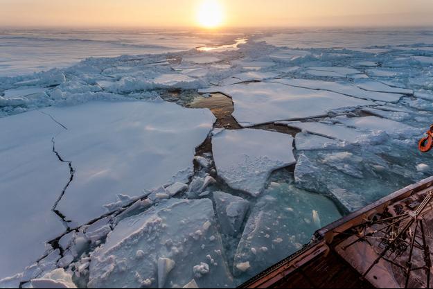 A bord du brise glaces Polarsten, au milieu de l'Arctique.