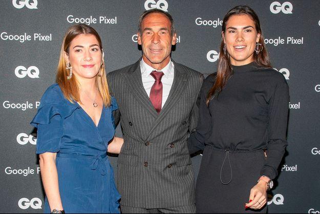 Mike Horn avec ses filles Jessica et Annika au Centre Pompidou, le 26 novembre 2018.