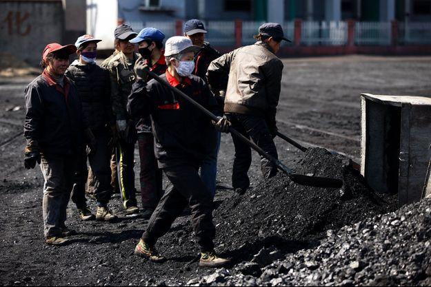 Des mineuses de charbon en Chine