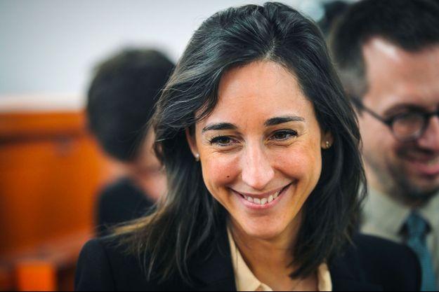 La secrétaire d'Etat Brune Poirson lors d'une visite d'un centre de tri à Paris le 6 juin.