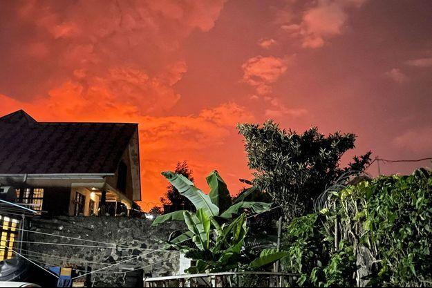 Dans la nuit de samedi à dimanche, près de Goma (RDC), où le volcan Nyiragongo est entré en éruption.