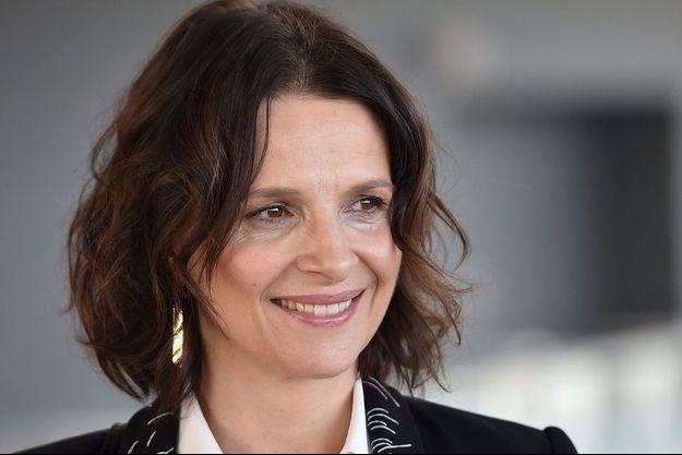 Juliette Binoche a signé le texte avec l'astrophysicien Aurélien Barrau.