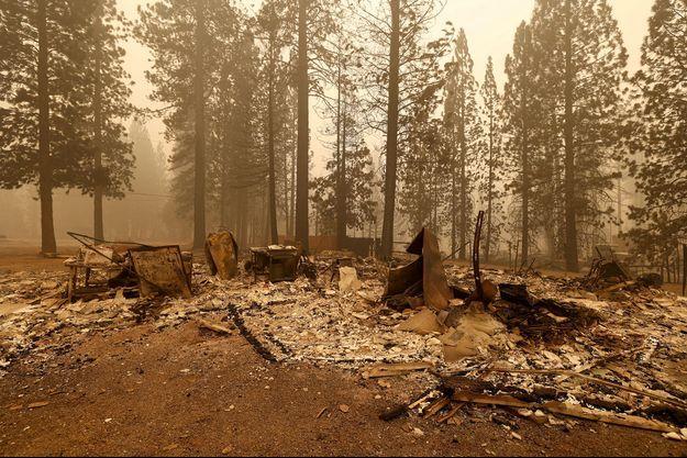 Des maisons détruites à Canyondam, en Californie, le 7 août 2021