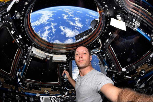 Selfie de Thomas Pesquet sur l'ISS.