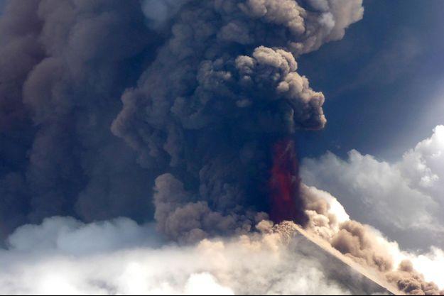 Le monstre Ulawun en Papouasie-Nouvelle-Guinée, le 26 juin 2019.