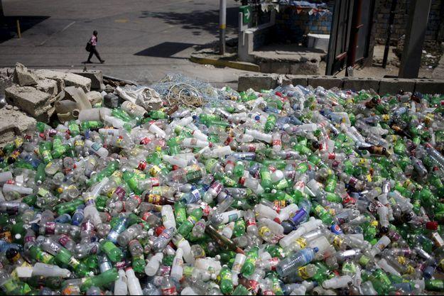 En 2050, selon une étude réalisée par la fondation Ellen McArthur, il devrait y avoir plus de plastique que de poissons dans les océans