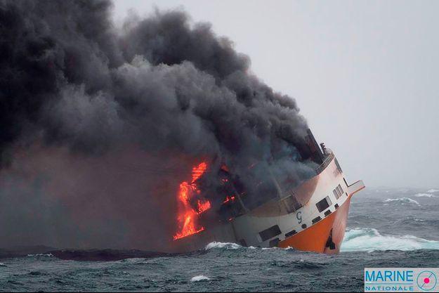 Le navire Grande America a sombré au large de La Rochelle.