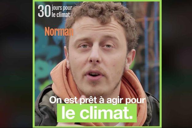 """Norman dans le clip de campagne """"On est prêt""""."""