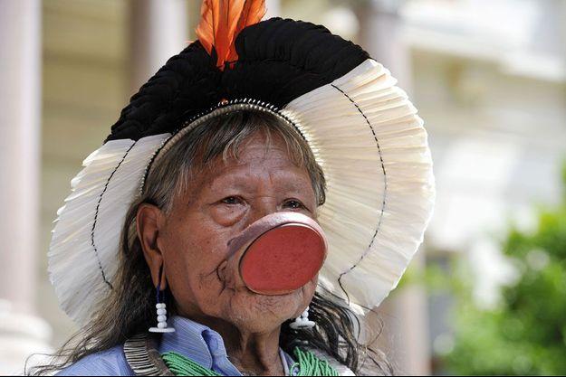 Le Cacique Raoni, chef du peuple Kayapo.