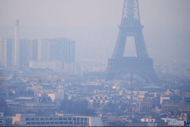 Jour de très forte pollution de l'air à Paris, le 9 décembre 2016.