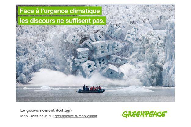 Avec cette affiche, Greenpeace France veut dénoncer l'inaction climatique des décideurs politiques et illustrer le décalage entre les discours et les actes.