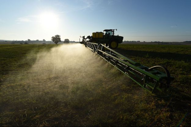 Epandage de glyphosate dans la Sarthe en septembre 2019 (photo d'illustration).