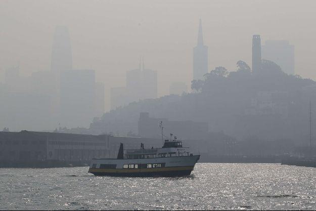 San Francisco sous la brume... provoquée par la pollution de l'air.